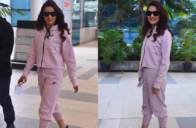 jasmin bhasin spotted at mumbai airport