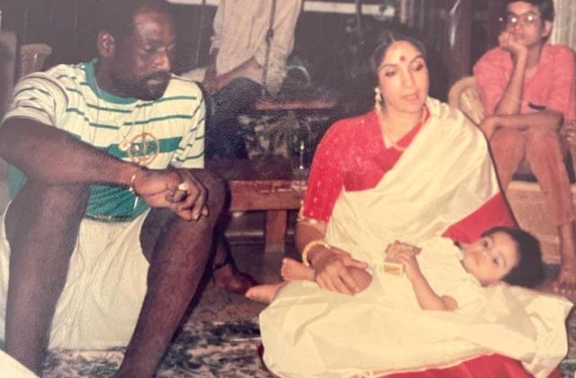 neena gupta unseen picture with daughter masaba and vivian richards