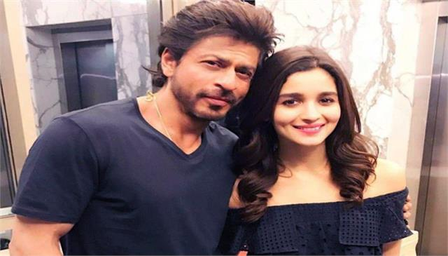 shah rukh khan and alia bhatt teamed up for dark comedy named darlings