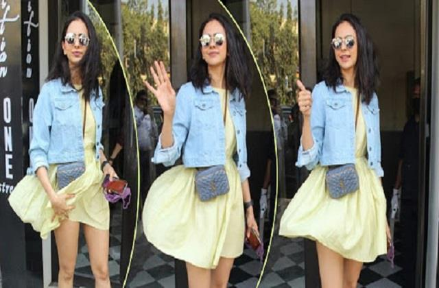 rakul preet singh faced oops moment for short dress