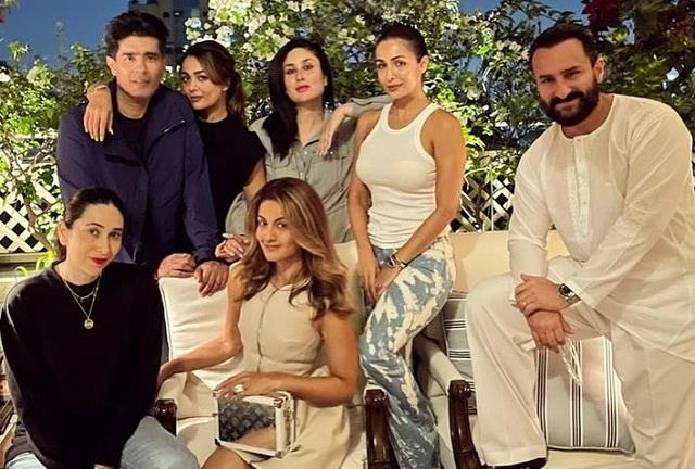 kareena kapoor house party with friends photo viral