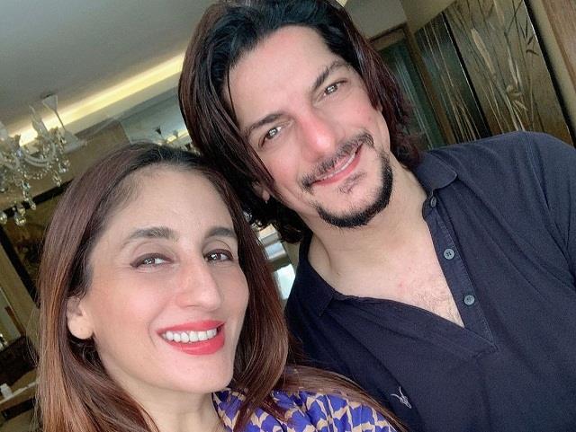 sussanne elder sister farah khan ali broke relationship with husband dj aqeel