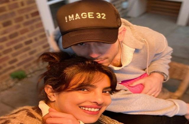 nick jonas shares selfie with wife priyanka chopra