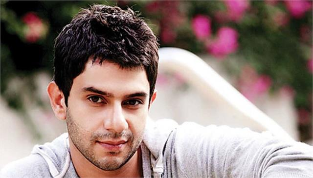 arjun mathur will be seen in the role of mla in his next project