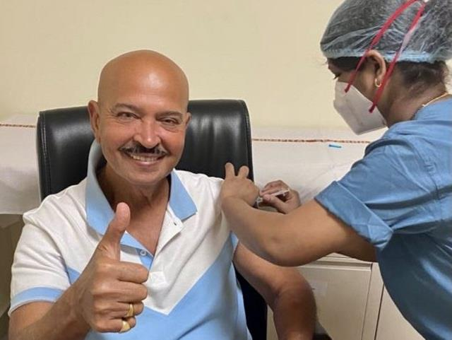 director rakesh roshan took the first dose of coronavaccine