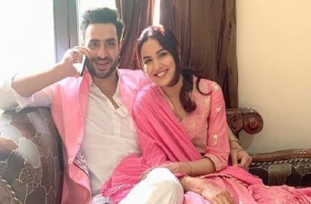 aly goni reached sister home with jasmin bhasin