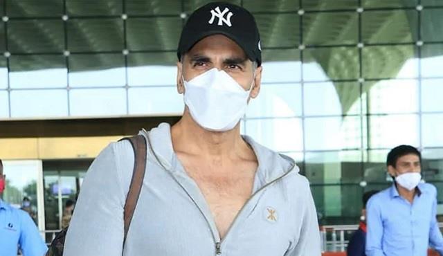 akshay kumar admitted hospital after testing positive for coronavirus