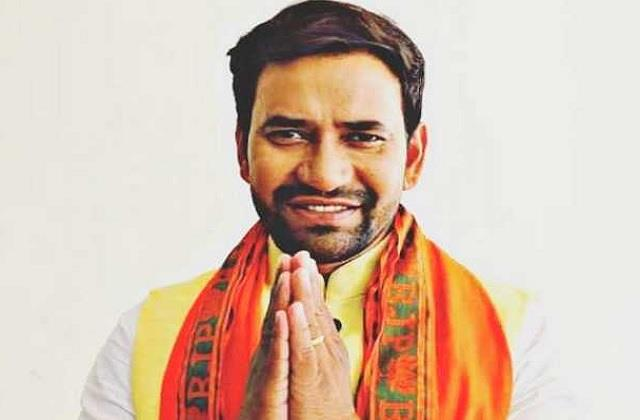 bhojpuri star dinesh lal yadav aka nirahua tested covid 19 positive
