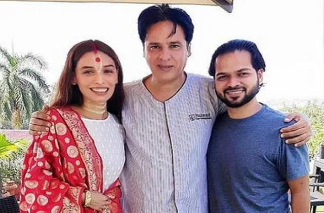 rahul roy tests corona positive including family