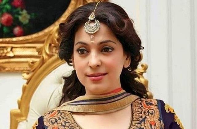 juhi chawla appealed to maharashtra people to start gratitude chain amid corona