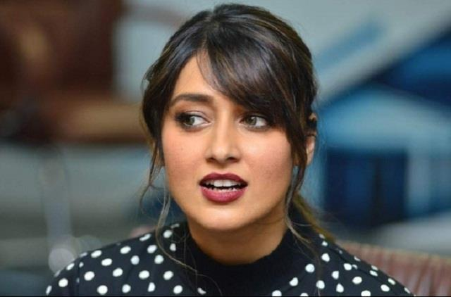 ileana d cruz twitter account hacked