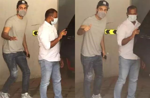 ranbir kapoor arrives at the clinic after defeating corona photos viral