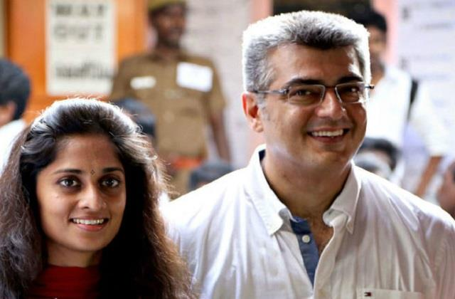 ajith kumar angry and snatches phone from fan at polling booth