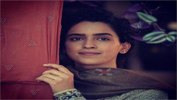 everyone praised sanya malhotras performance in paglat