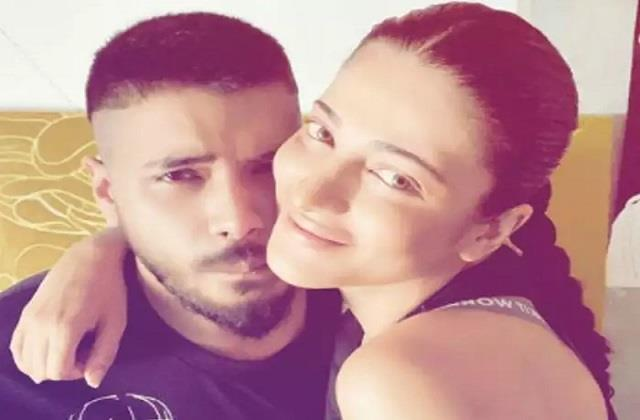 shruti haasan spending lockdown with boyfriend santanu hazarika