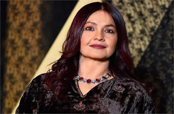 pooja bhatt  statement on mother s day  why should mother always sacrifice