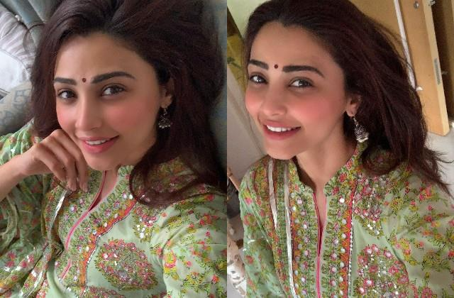 daisy shah gave befitting reply to the user who trolled her wishing eid