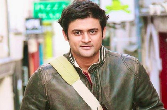 shaadi mubarak  fame manav gohil wins battle with corona