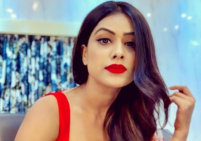 nia sharma targeted the stars who were appealing for vaccination