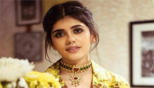 sanjana sanghi interview her upcoming movie is omthe battle within