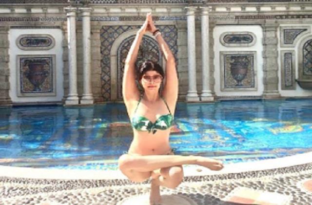pooja batra doing yoga in bikini
