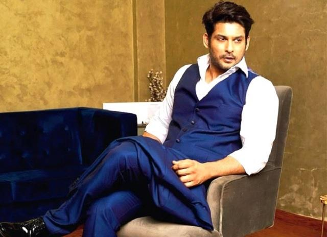 sidharth shukla sprains his ankle recovering at home
