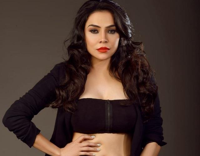 nikita rawal filed a complaint against stalker