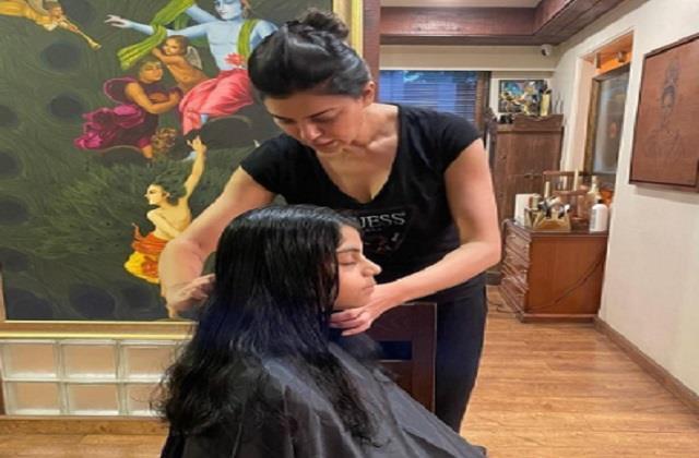 sushmita sen turns hairstylist her daughter alisah