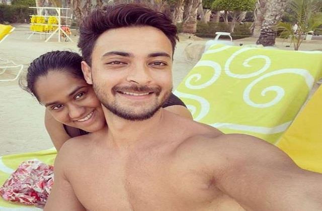 arpita khan shares romantic photo with aayush sharma