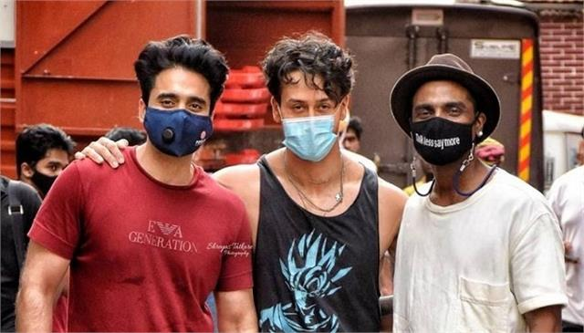 jackky bhagnani tiger shrof and remo desouza together in a studio