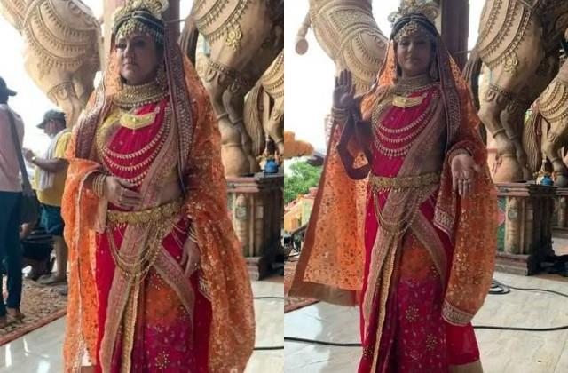 fans excited after see deepika chikhalia in devi look