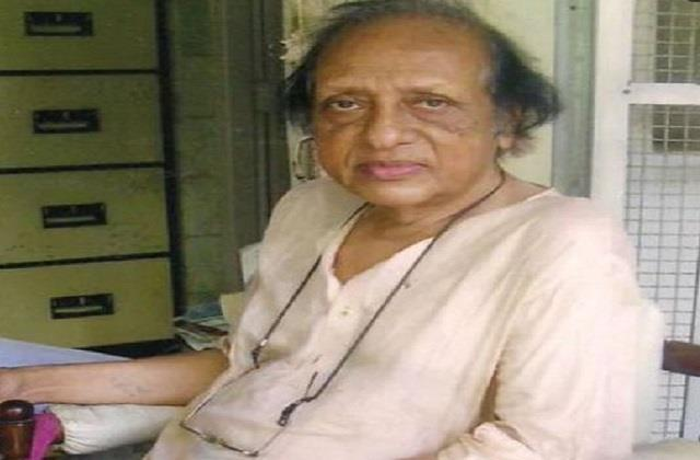chandrshekhar vaidya is admitted to criti care hospita due to old age ailments