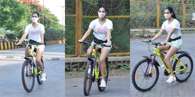 sonal chauhan was seen cycling on world bicycle day