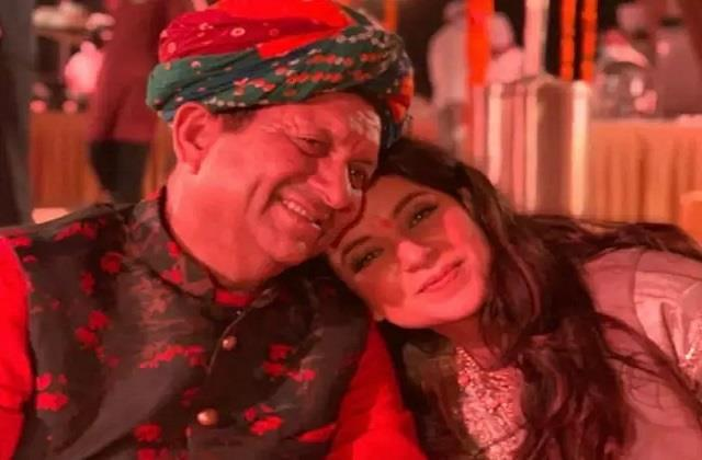 kangana ranaut shares photo with her father on fathers day