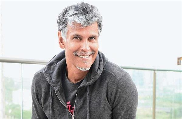 milind soman funny tweets after noticing errors on wikipedia