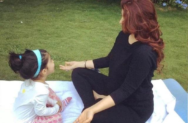 twinkle khanna shares with daughter nitara on yoga day