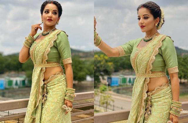 monalisa doing photoshoot in green saree