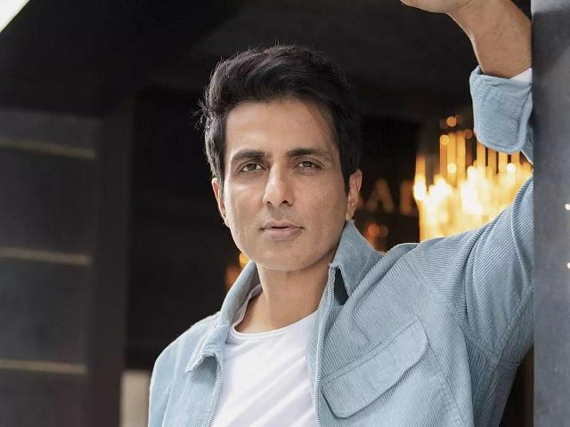 sonu sood will help 8 year old child who suffer from liver cancer