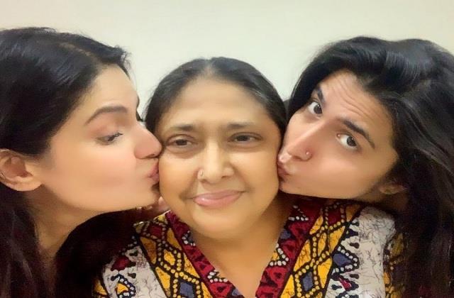 zareen khan mother hospitalised
