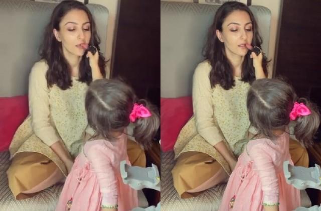 inaaya kemmu did her mother soha ali khan make up video viral