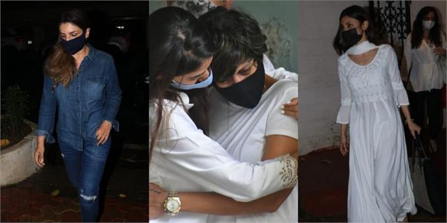 raveena and mouni visit mandira bedi home after the death of raj kaushal