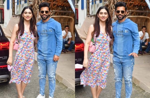 rahul vaidya spotted with girlfriend disha parmar