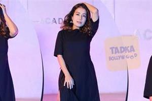 neha kakkar looks stunning in latest pictures