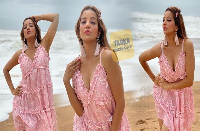 monalisa shares her hot photos from goa vacation
