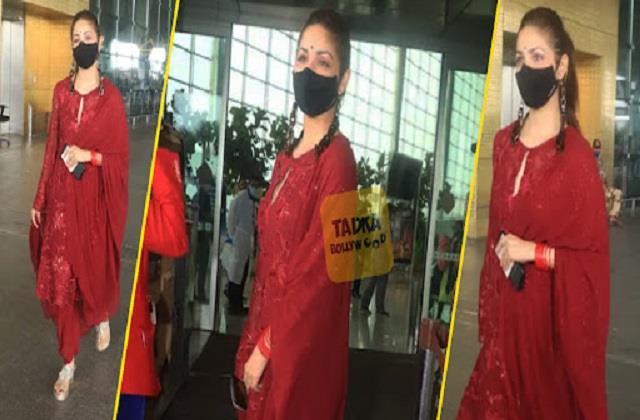 yami gautam spotted at airport photos viral