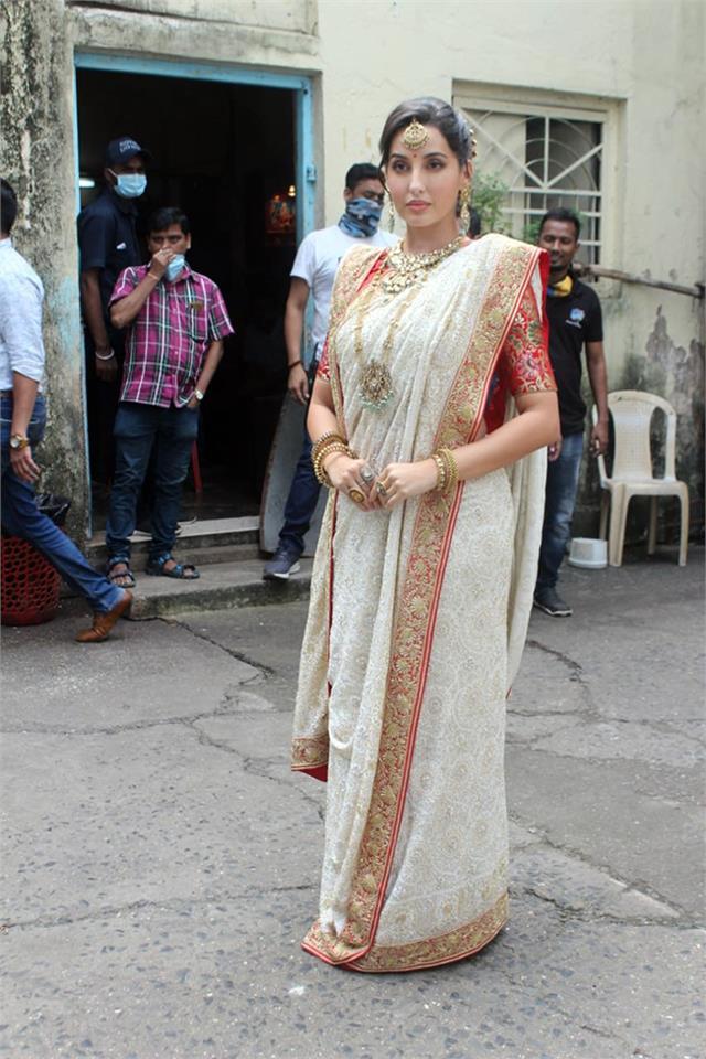 nora fatehi pays tribute to her idol madhuri dixit nene