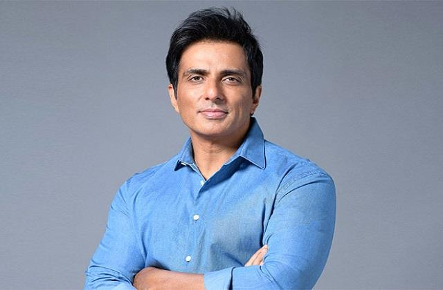 sonu sood repiled to user who demands 1 crore