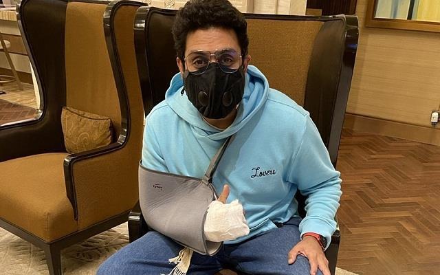 abhishek bachchan underwent surgery after fracture in right hand
