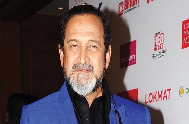 mahesh manjrekar gets operated for bladder cancer