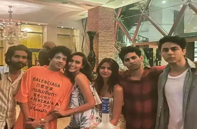 shahrukh khan son aryan khan party with friends